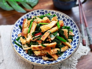 Stir-fried tofu with leeks, a very unique way to eat!