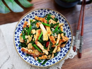 Stir-fried tofu with leeks, delicious with rice!