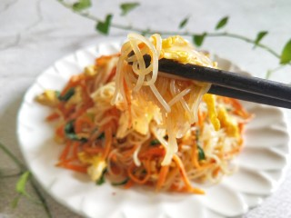 Fried rice noodles with eggs, have you learned this dish of fried rice noodles with eggs?